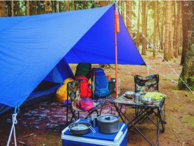 キャンプでタープを使う